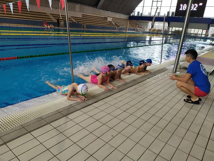 Január 06-tól folytatódik az ingyenes óvodai úszásoktatás